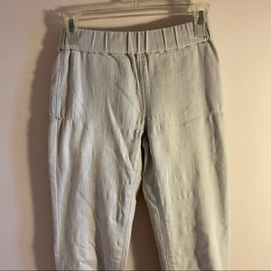 3/$10✨ Lou & Grey beige cargo pants
